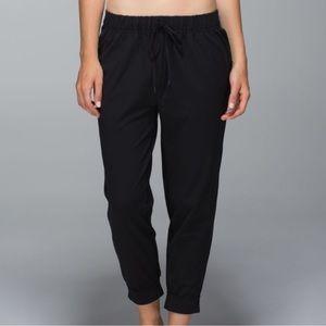 Lululemon Jet Crop Pants Black size 4